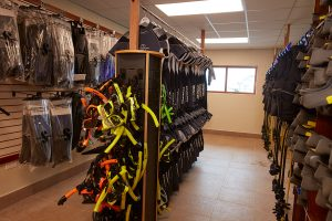 Dive Shop - Suiting Up